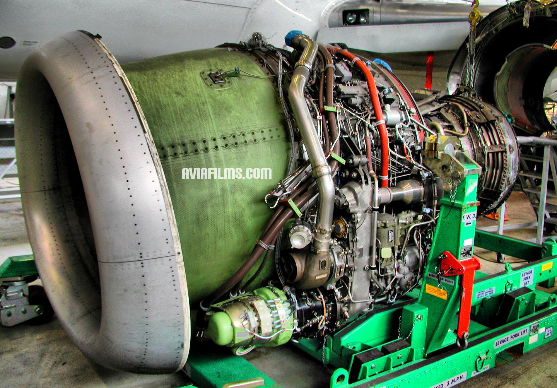 http://aviafilms.com/photos/CFM-56-engine.jpg