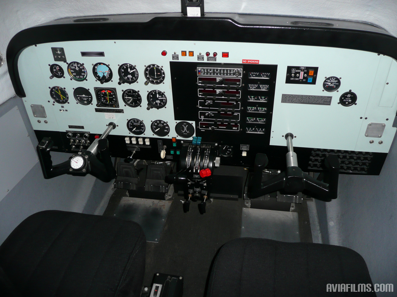how to build a flight simulator cockpit at home